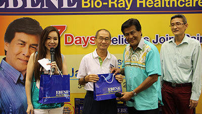 Dato' Jalaluddin Hassan handing over Ebene products to customers